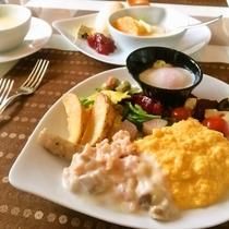 山梨県産食材を使った40種類以上の朝食バイキング 時間6:30~9:30