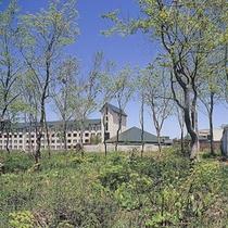 *【外観】きれいな空気と豊かな自然に包まれた当館でリフレッシュ旅をお楽しみください。