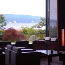 【海のラウンジ】朝のご出発前に海を眺めながら美味しいコーヒーをどうぞ♪