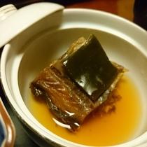 お料理の一例 蓋物(棒鱈の煮つけ)