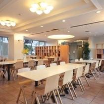 レストラン(朝食のみ営業)