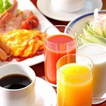 【朝食】和洋の多彩なお料理をバイキング形式でご用意♪