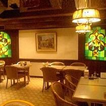 1階レストラン『BOB』