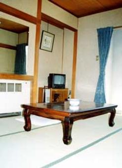 和室6畳又は8畳(バス・トイレ共同)朝食付