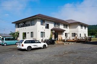 ペンショングリランド(旧:十和田湖ゲストハウス)施設全景