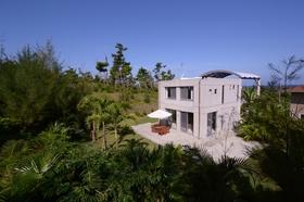 Villa SkyChateau ONNA(ヴィラ・スカイシャトーオンナ)施設全景