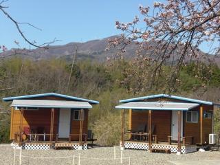 海が見えるコテージ&キャンプ施設全景
