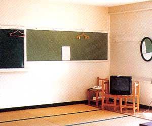 客室例(教室タイプ)