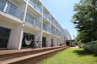 365BASE outdoor hostel施設全景