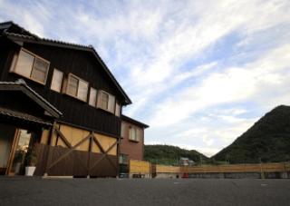 鴻の鶴温泉 民宿 とくらの宿施設全景