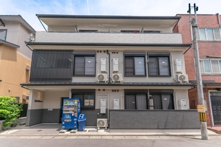 カモリバー清水五条 ゲストハウスイン京都施設全景
