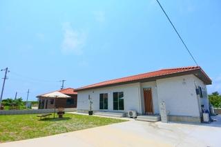 guest house Holoholo beach side<石垣島>施設全景
