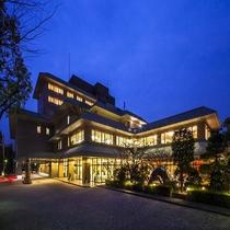 KKRホテル熊本(国家公務員共済組合連合会熊本共済会館)施設全景