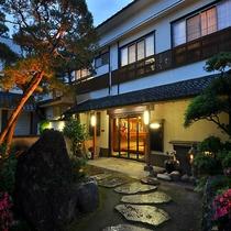 上諏訪温泉 旅荘 二葉<長野県>施設全景