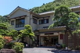 箱根湯本温泉 庭園露天を味わう宿 湯さか荘施設全景