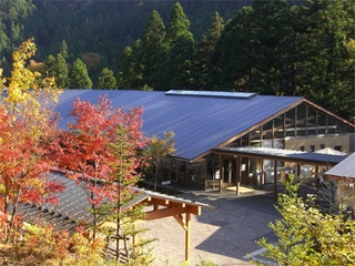 秋川渓谷 瀬音の湯施設全景