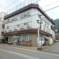 越後湯沢温泉 三徳屋(みのりや)施設全景