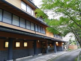 赤目滝 四季の宿 滝本屋