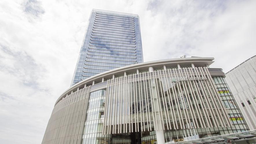 ■周辺施設:「グランフロント大阪」食事や買い物もできるショッピングモール。