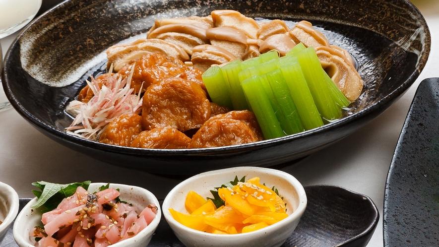 【朝食】サラダやお惣菜を日替わりでご提供いたします
