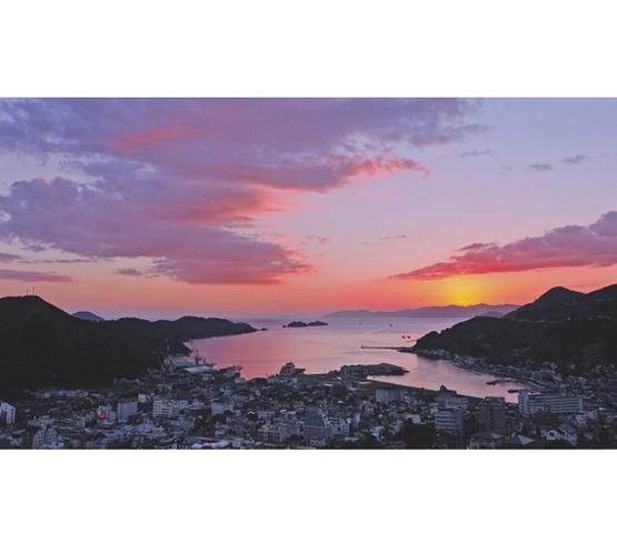 宇和海に沈む夕陽