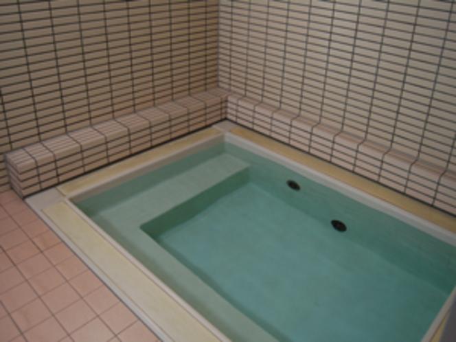 地下の浴場です。