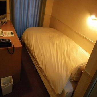 ◆セミダブルベッド/喫煙室◆朝食バイキング付◆お部屋も温泉♪