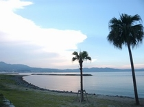 田ノ浦ビーチはホテルから車で約20分!別府湾をのぞむおすすめスポット♪夏は海水浴も!