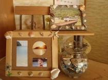 拾った貝殻で自分だけのフォトフレームを作っちゃおう!フレームは有料(¥105)です。