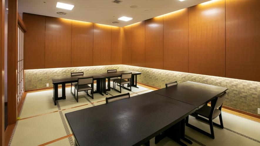 【館内・2階】レストラン(小上がり椅子)