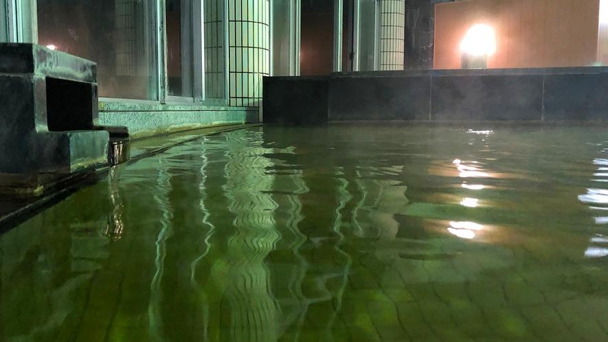 温泉大浴槽