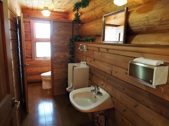 男性トイレ1F