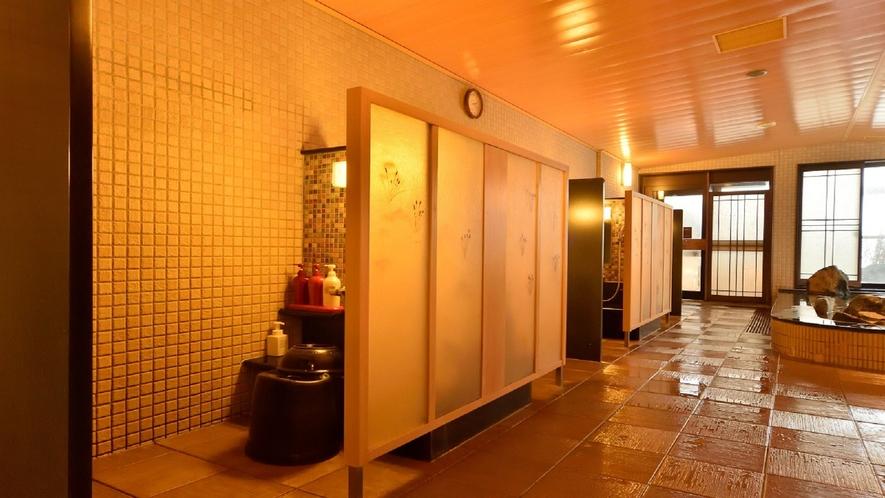◆女性大浴場洗い場(6か所ございます。)