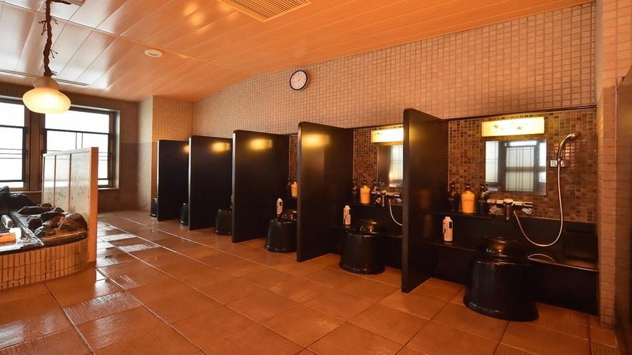 ◆男性大浴場洗い場(10か所ございます。)