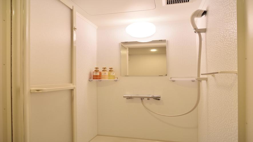 ◆シャワーブース(ダブルルーム、クイーンルーム、コンフォートルーム、ツインルーム)