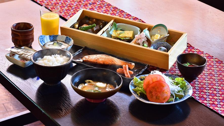 朝食は体にやさしい和定食をご用意いたします