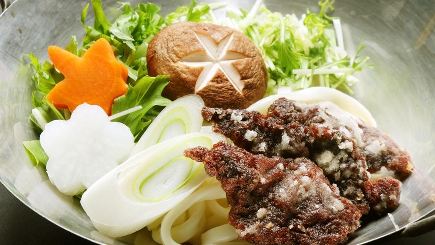 ◆鯨肉の鍋料理♪シャキシャキした食感とたっぷりしみ込んだ出汁がポイントです♪