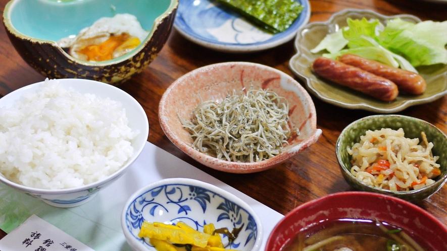 *【料理】朝食一例でございます。和定食をご提供いたします。