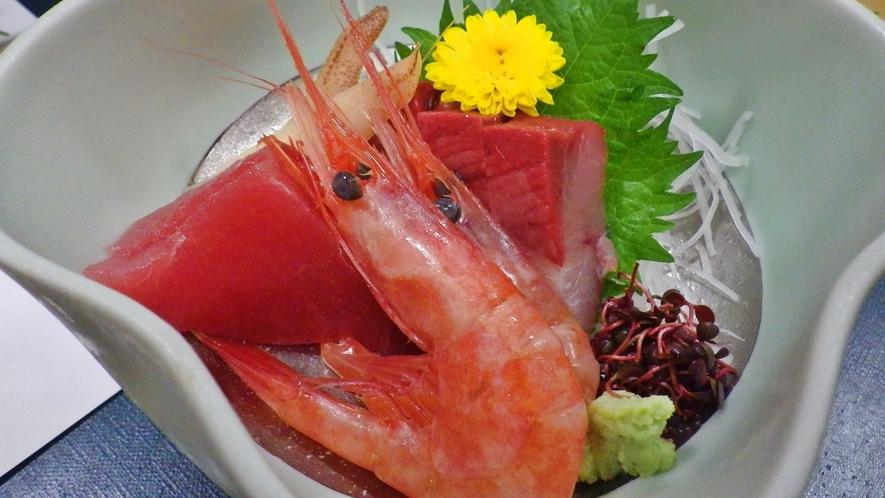 *【料理】主人が市場で仕入れた新鮮な海の幸をご賞味ください。