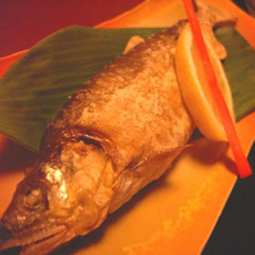 *夕食川魚
