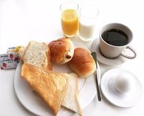無料サービスのご朝食。ビュッフェスタイルでお楽しみいただけます。