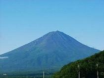 夏の富士山(ペイネガーデンから)