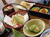 自家栽培の季節野菜の天ぷら