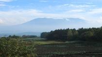 *【周辺/愛妻の丘】嬬恋村を囲む山々を見渡せ、自然を堪能できます。