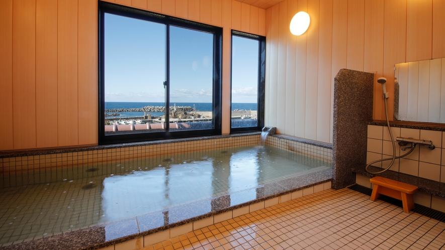 【大浴場】日本海を一望しながら温泉を満喫♪