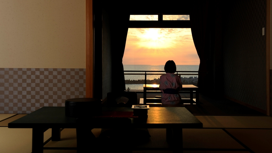 【2F~3F・和室】客室からは間人港と日本海の雄大な景色を一望。