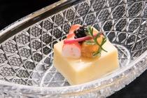 夕食 前菜(キャビア・もろこし豆腐・才巻き海老・美味だし)