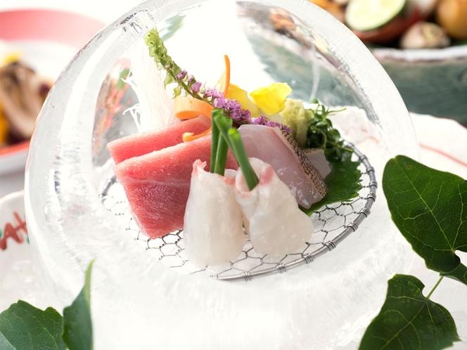 夕食 厳選鮮魚の氷釜盛り