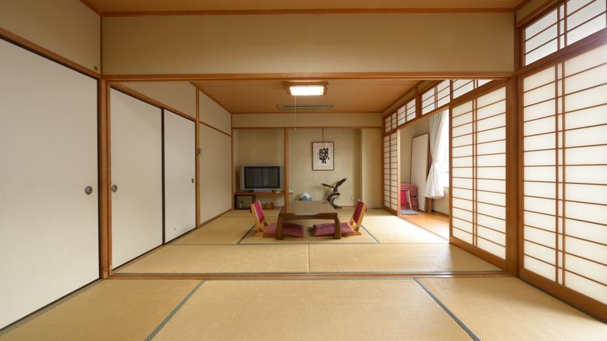 *和室はグループでのご宿泊に便利な二間タイプも。