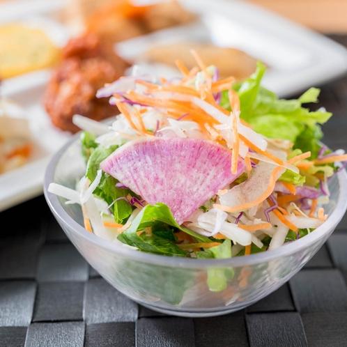 【有機野菜サラダ】女性に人気のサラダです。